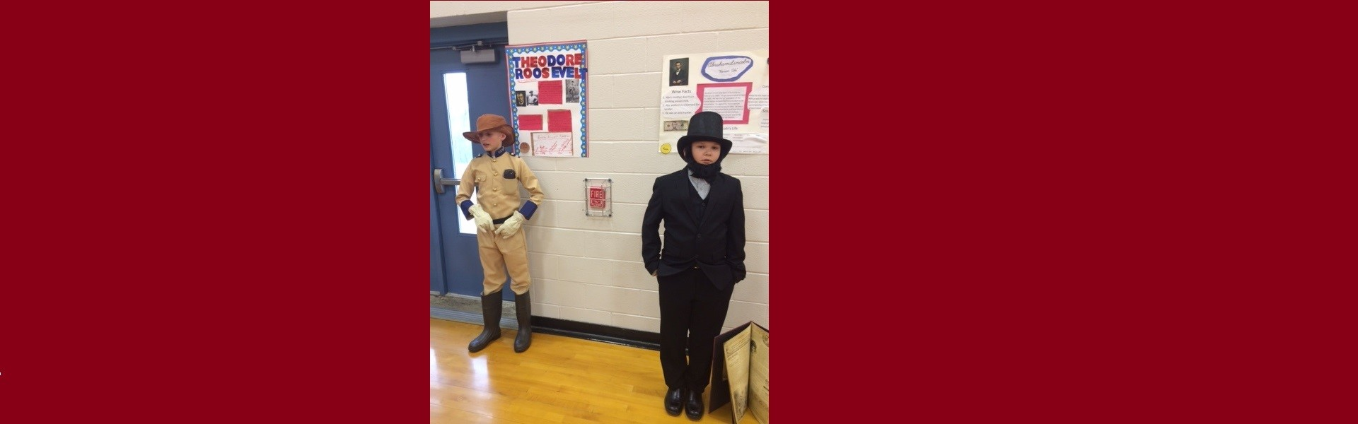 Students dressed as Roosevelt and Lincoln